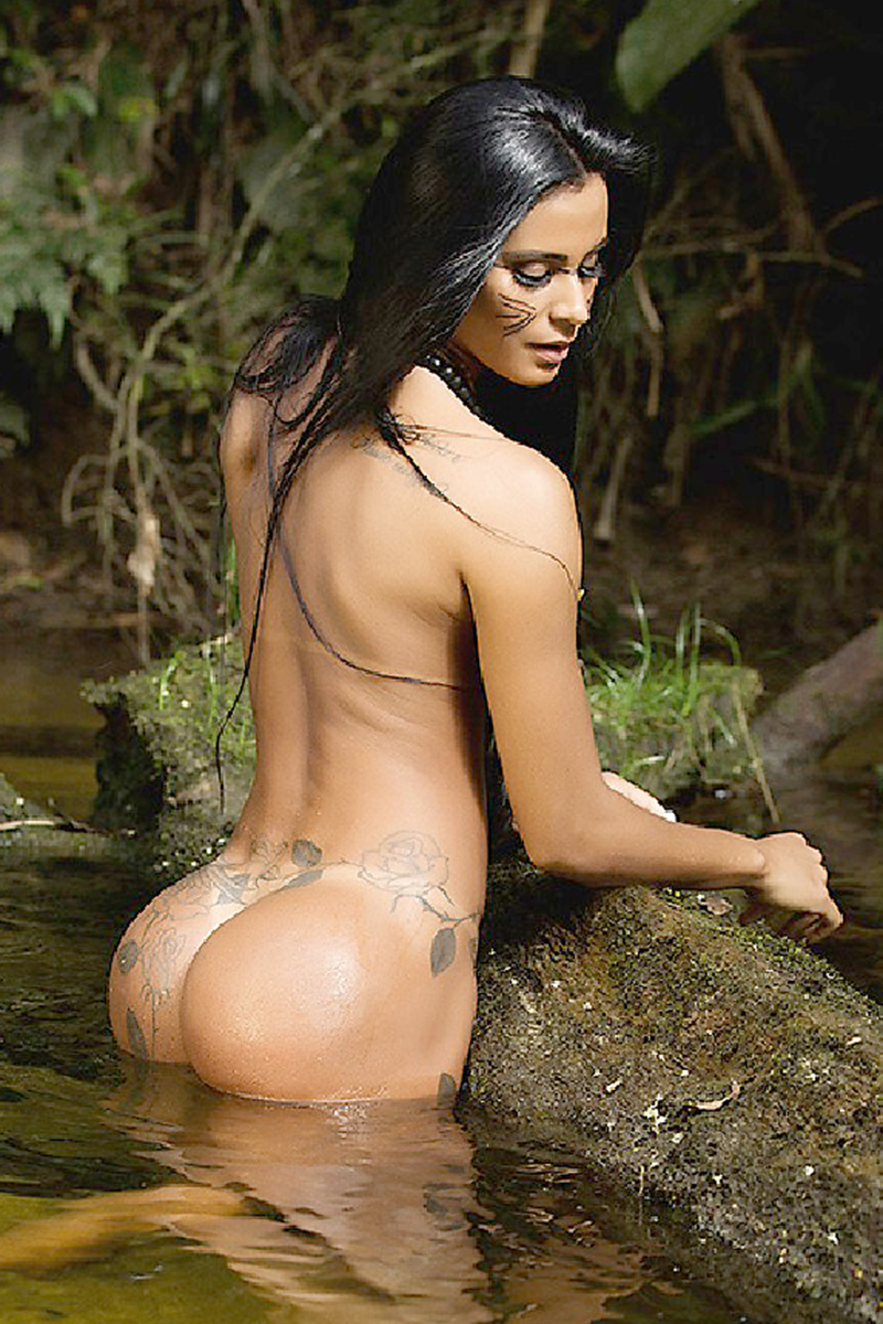 Lorena-Bueri-Tanlines-And-Face-Paint-For-Sexy-Brazil-16